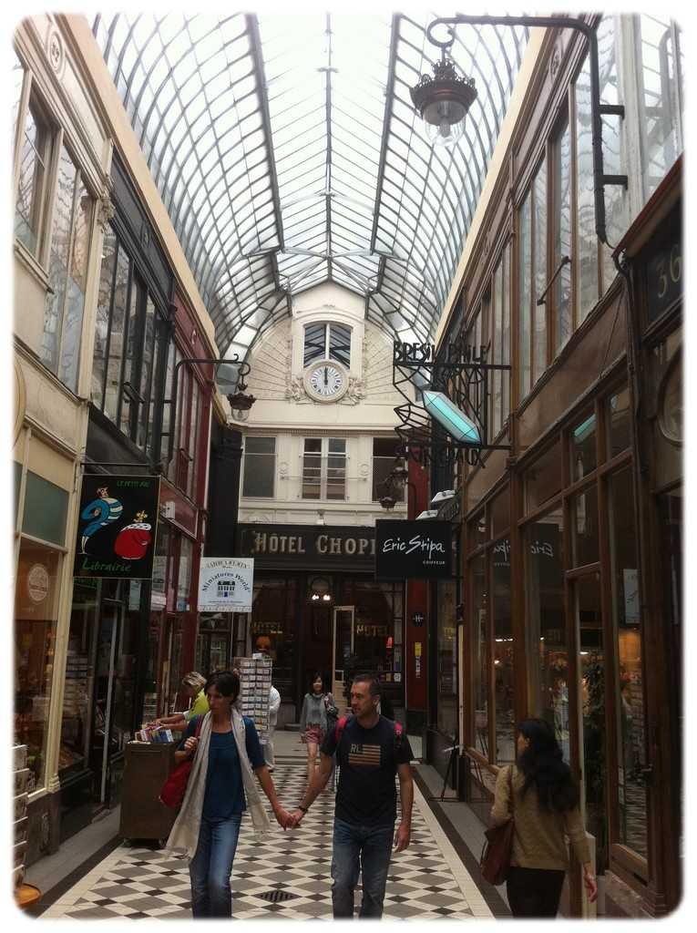 10-66 Passage Jouffroy, 75009 Paris, France (2)