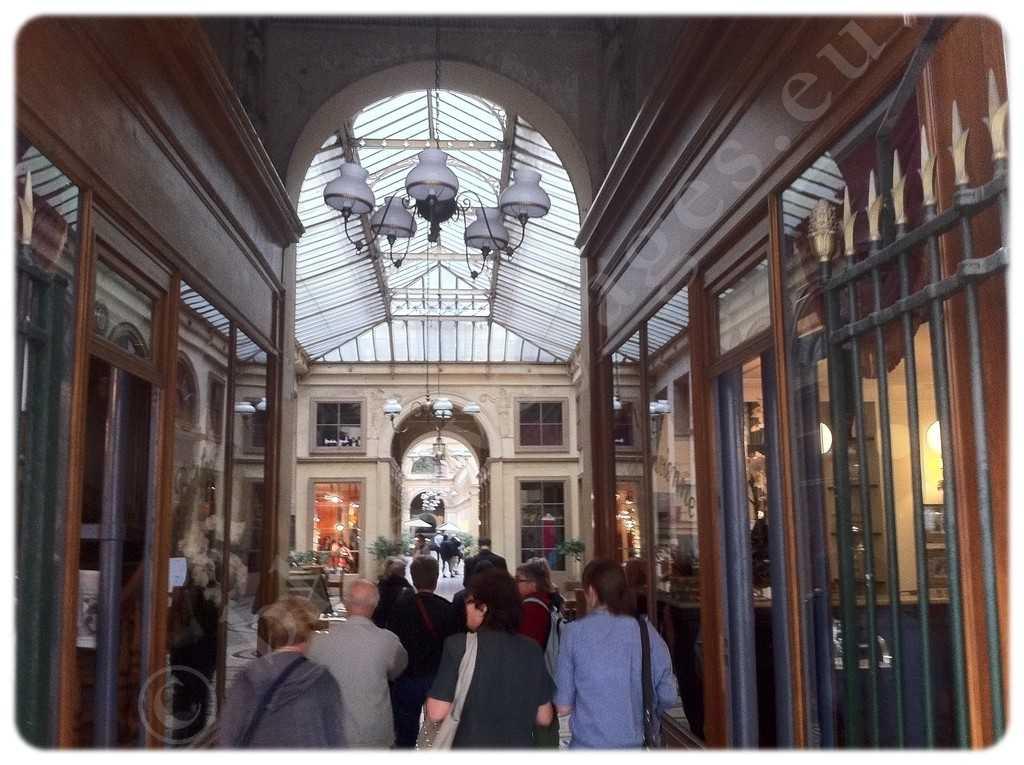 Galerie 10 Rue Croix des Petits Champs, 75001 Paris, France (2)