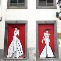 Portes peintes rue de Santa-Maria