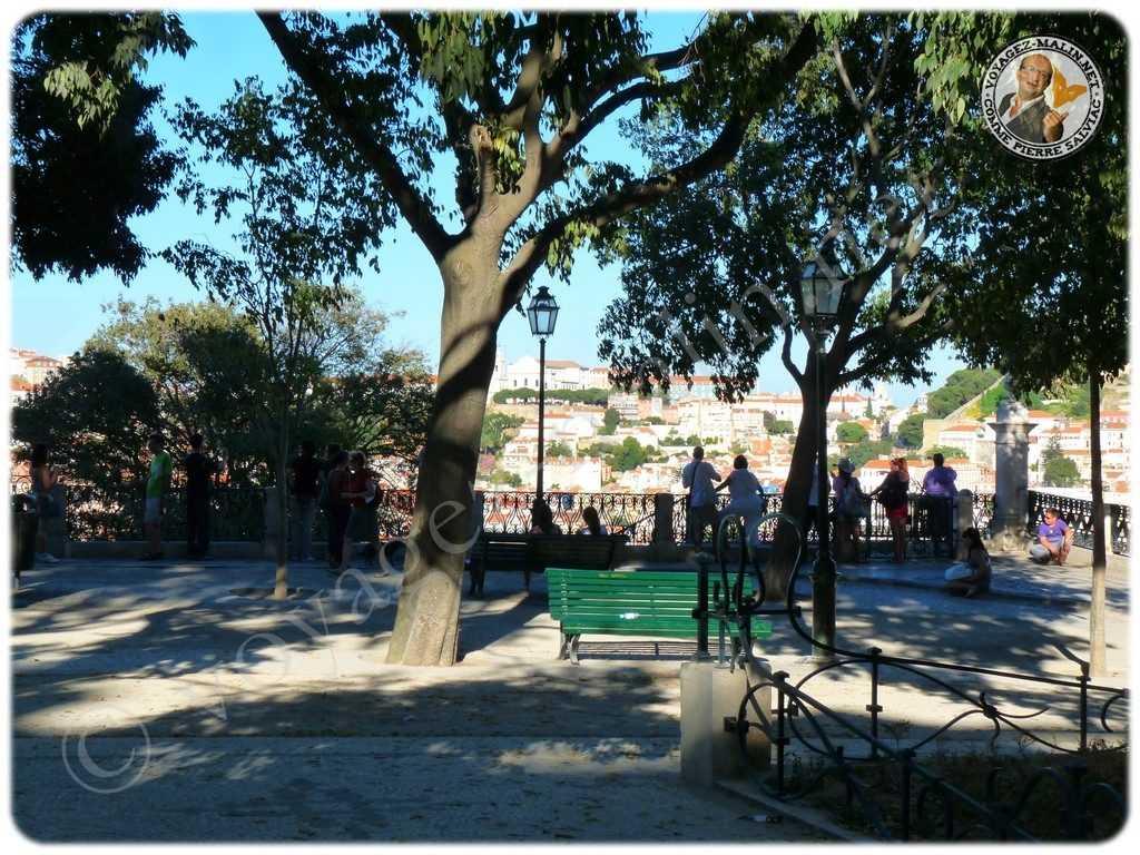 Jardin avec vue sur Lisbonne