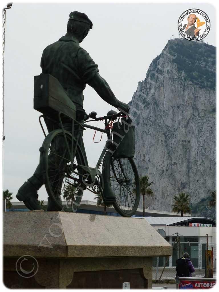La statue hommage aux travailleurs espagnols de Gibraltar