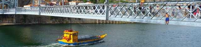Portugal - Porto - Plongeurs sur le Douro depuis le pont Eiffel-640x150