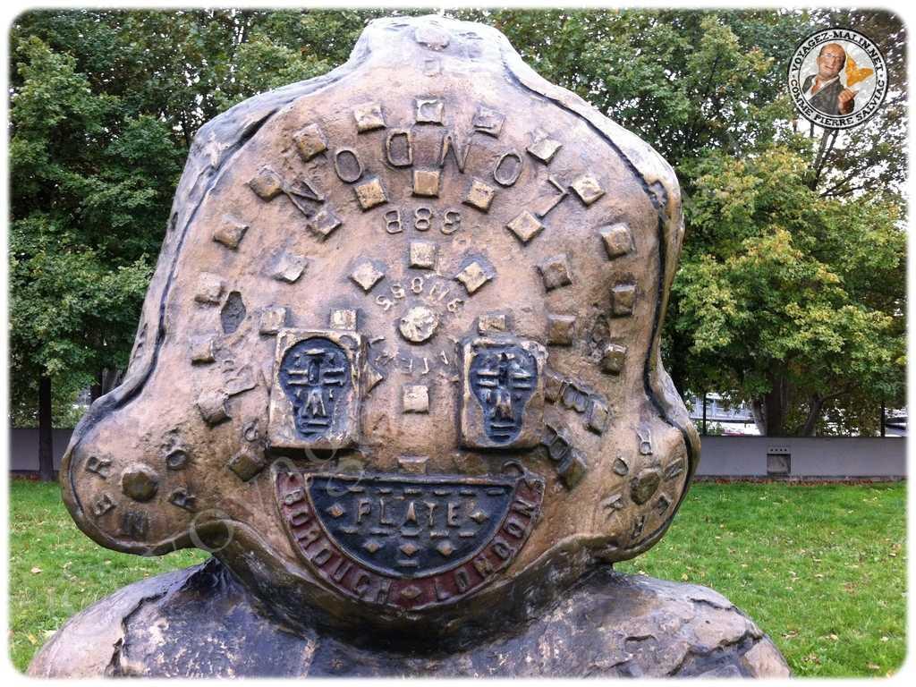 statues parc de bercy Londres